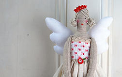 Leah Halliday's Heirloom Angels